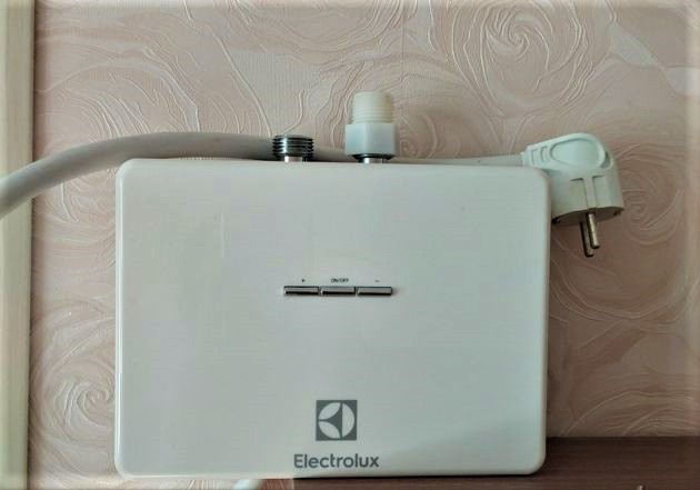 Проточный водонагреватель без регулировки